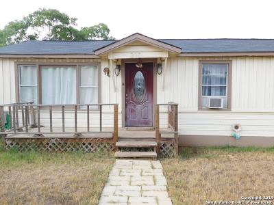 Frio County Single Family Home For Sale: 310 E Curtis St