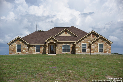 La Vernia Single Family Home For Sale: 161 Triple Bend