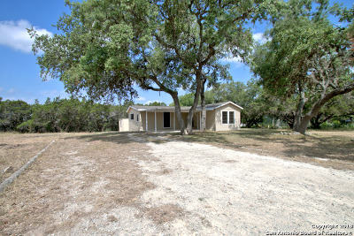 Canyon Lake Single Family Home For Sale: 1493 Whispering Hills Dr