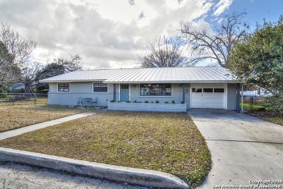 Guadalupe County Single Family Home Back on Market: 617 E Krezdorn St