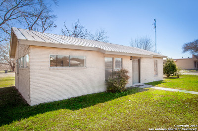 Hondo Single Family Home Price Change: 2607 Avenue E