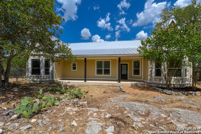 Boerne Single Family Home New: 320 River Ridge