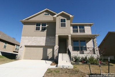 Schertz Single Family Home New: 5392 Kingswood St