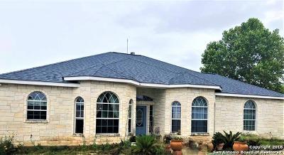 La Vernia Single Family Home New: 210 Bluebonnet Ridge