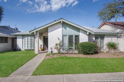 Windcrest Single Family Home For Sale: 8357 Windway Dr