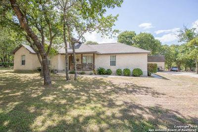 La Vernia Single Family Home For Sale: 114 Pullman Rd