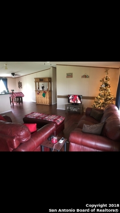 Castroville Single Family Home For Sale: 263 County Road 5632