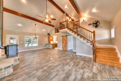 Bandera County Single Family Home For Sale: 255 Thunder Creek