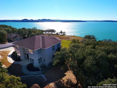 Canyon Lake Single Family Home For Sale: 220 Rachel Dr