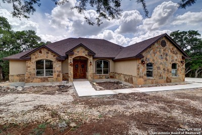New Braunfels Single Family Home For Sale: 1109 Shady Hollow