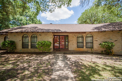 Windcrest Single Family Home For Sale: 702 Fenwick Dr