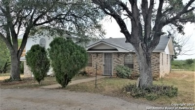 Frio County Single Family Home For Sale: 444 County Road 1629