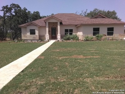 Bandera County Single Family Home For Sale: 205 Starburst
