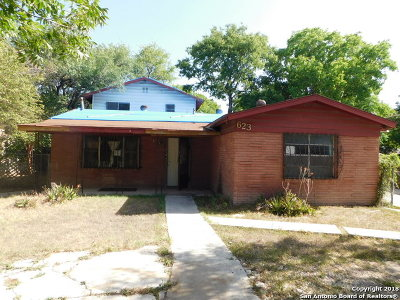 Single Family Home For Sale: 623 Sharmain Pl