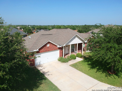 Floresville Single Family Home For Sale: 109 Crestway