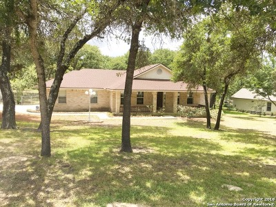 La Vernia Single Family Home Active RFR: 238 Deer Ridge Dr