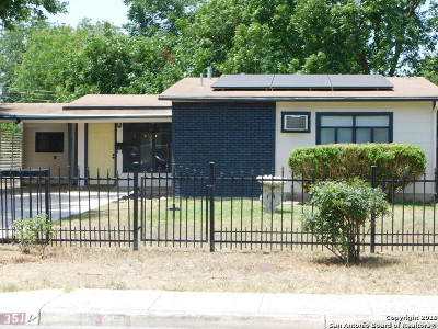 Single Family Home For Sale: 351 Cherry Ridge Dr