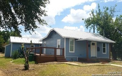 San Antonio Single Family Home Active Option: 946 W Lullwood Ave