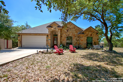 Canyon Lake Single Family Home For Sale: 388 Rolling View Ct