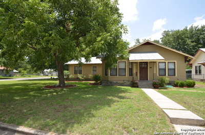 Schertz Single Family Home For Sale: 420 Curtiss St