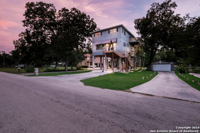 Seguin Single Family Home For Sale: 122 Lakeside Dr