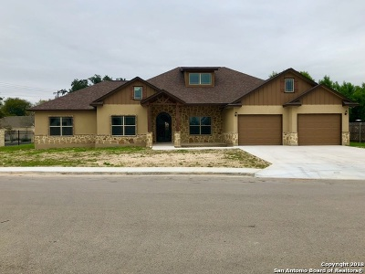 Castroville Single Family Home New: 116 Westheim Dr