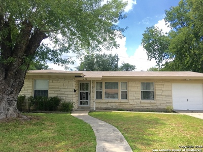 San Antonio Single Family Home New: 202 Milford Dr