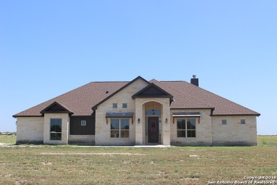 Guadalupe County Single Family Home For Sale: 189 Siena Woods
