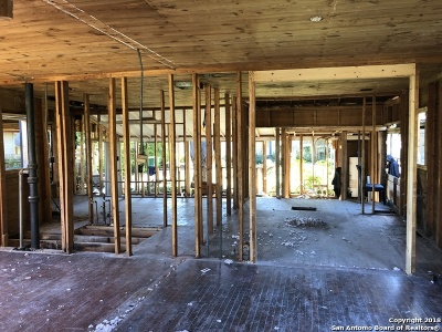 San Antonio Single Family Home New: 302 Pruitt Ave