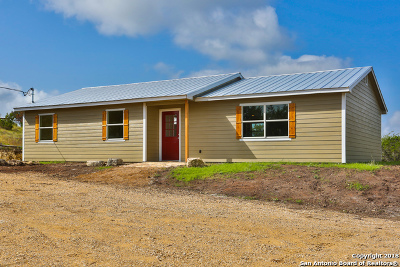 Bandera County Single Family Home New: 1381 Big Meadows Dr