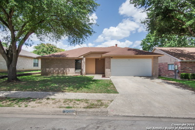 Schertz Single Family Home For Sale: 2516 Cedar Ln