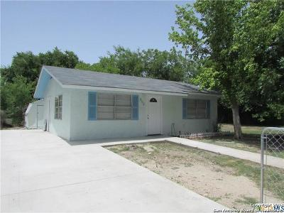 Guadalupe County Single Family Home New: 602 Silva St