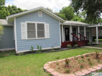 Guadalupe County Single Family Home New: 815 E Humphreys St