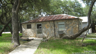 Canyon Lake Single Family Home For Sale: 507 W Clark St