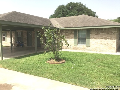 Atascosa County Multi Family Home New: 1211 & 1213 A/B An W Goodwin St
