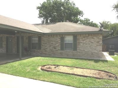 Atascosa County Multi Family Home New: 1207 W Goodwin St