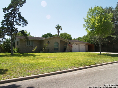 Guadalupe County Single Family Home New: 110 W Hampton Dr