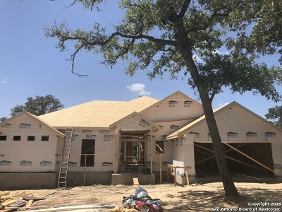 La Vernia Single Family Home New: 233 Great Oaks Blvd