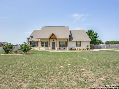 Atascosa County Single Family Home New: 750 Cimmaron Sq