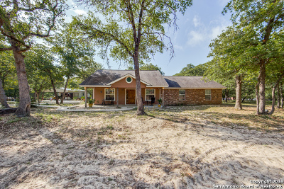 Floresville Single Family Home New: 1026 Wild Flower
