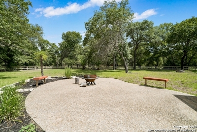 Floresville Single Family Home For Sale: 20 Acres 103 Montesito Ln