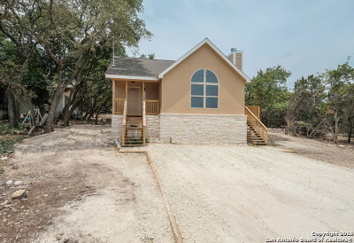Canyon Lake Single Family Home For Sale: 1127 Eastview Dr