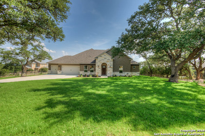 Lantana Ridge Single Family Home For Sale: 120 Lantana Crest