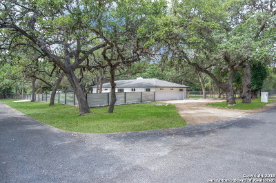 Boerne Single Family Home Active Option: 8602 Flint Rock Dr