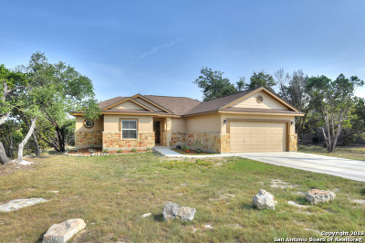 Canyon Lake Single Family Home For Sale: 552 Lasso Loop