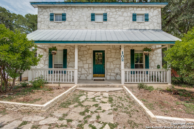 Kendall County Single Family Home For Sale: 102 View Point Dr W