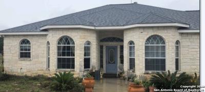 La Vernia Single Family Home For Sale: 210 Bluebonnet Ridge