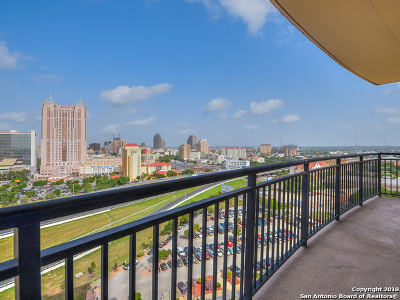San Antonio Condo/Townhouse For Sale: 215 Center #1401