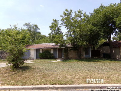 Bexar County, Comal County, Guadalupe County Single Family Home For Sale: 8219 Bentwood Dr