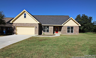 Floresville Single Family Home Active Option: 1007 Verbena Loop